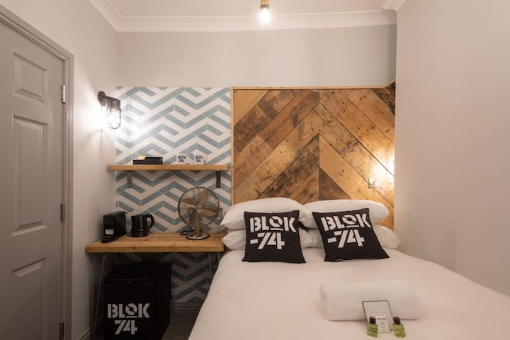 Small Double Room - Blok-74 - Room 3