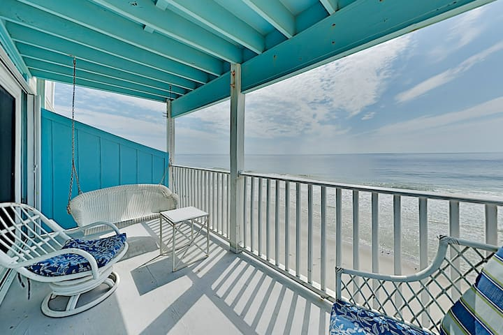New Listing! Oceanfront Condo w/ Balcony & Pool