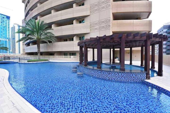 Bed Space in a Big Bedroom in Dubai Marina