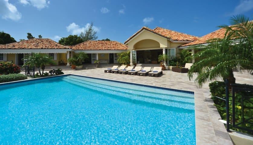 4 bd, views, terraces, pool - Marigot - Villa
