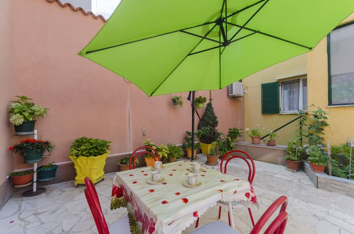 Two Bedroom House, 200m from city center, in Sibenik