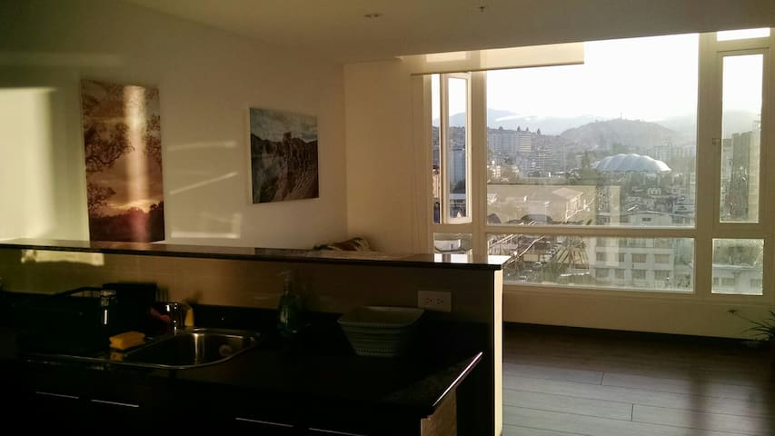 LUXURY Modern Suite-GREAT location & view of Quito - Quito - Apartment