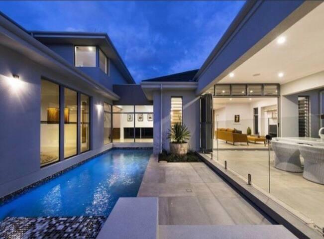 A luxury beachside family retreat