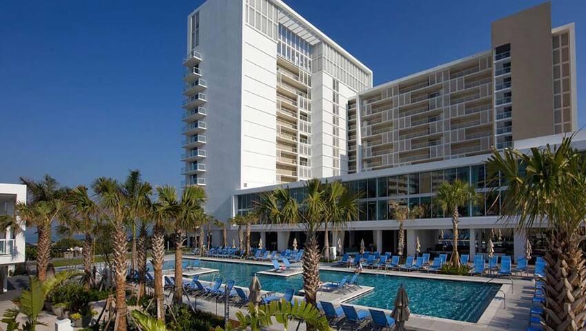 Beachfront Marriott Crystal Shores Feb. 20-27 2021