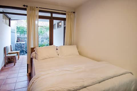 Puri Ceraki 3 - Private Room Close To The Beach
