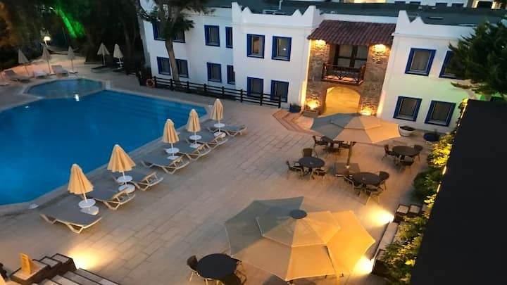 ATRIUM HOTEL STANDARD DOUBLE ROOM B&B