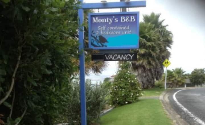 Monty's B&B
