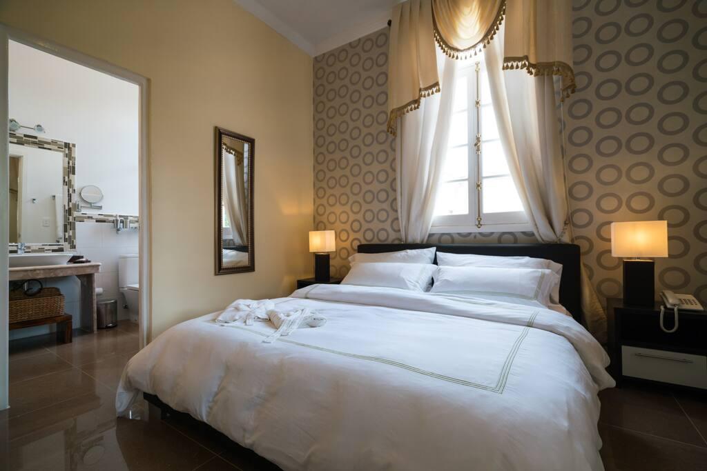 Deluxe King Room No.3
