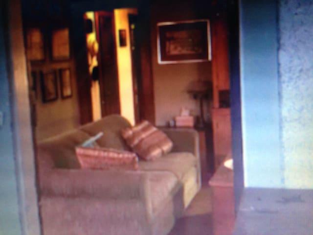 JB McHose House West Unit in Boon - Des Moines - Apartment