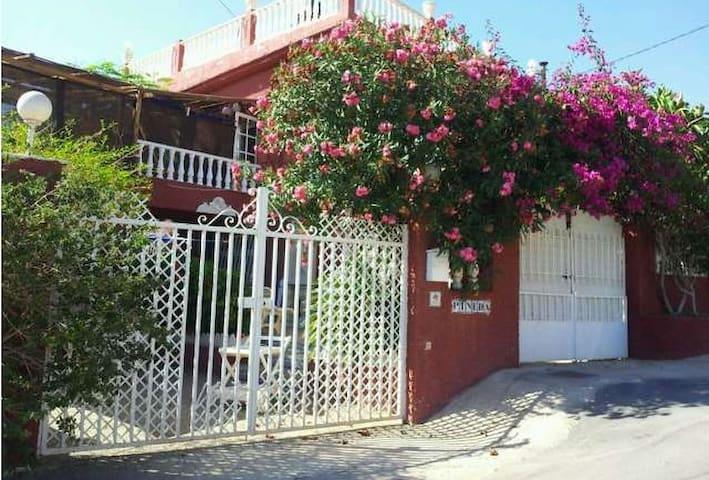 Casa  con Piscina Privada a 100 metros del mar - Cartagena - Hus