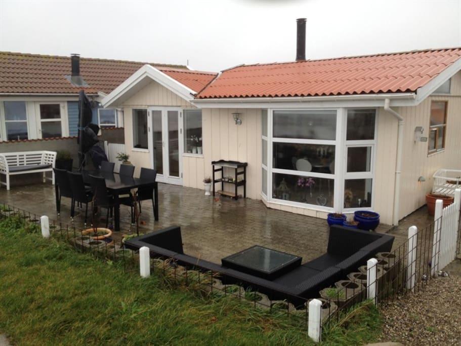 Huset set fra dige