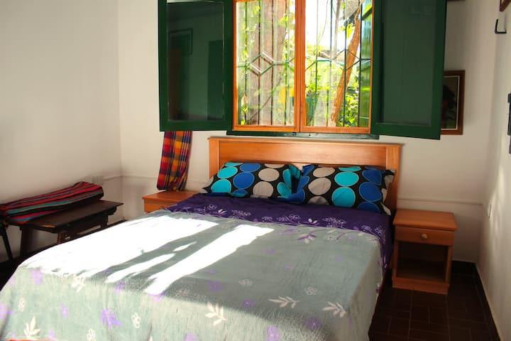 Habitación Naranja en Palmeira Bonita - Posadas