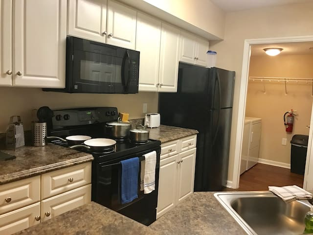 ***LARGE 2 BR IN LAKEWOOD RANCH*** (8122-16) - Lakewood Ranch