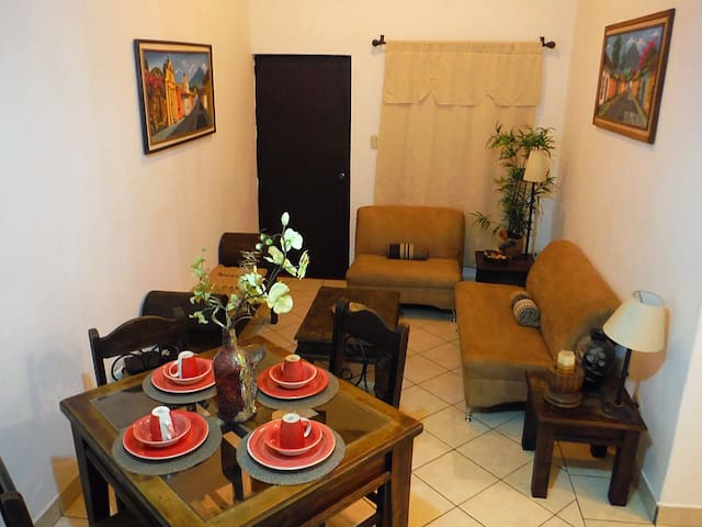 Cozy three bedroom close to Antigua - Antigua Guatemala - Apartment