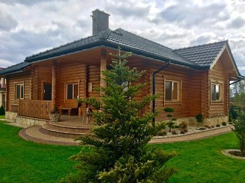 Smukt hyggeligt tømmerhus