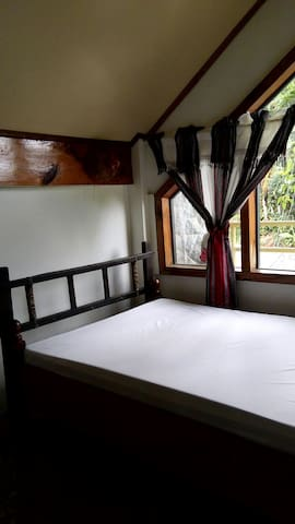 (6) COZY RESTHOUSE for BACKPACKERS - Baguio - House