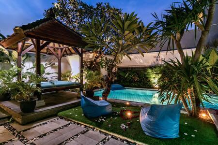 *70% OFF MAY/JUNE* Pvt Big Villa w/ Pool+Projector