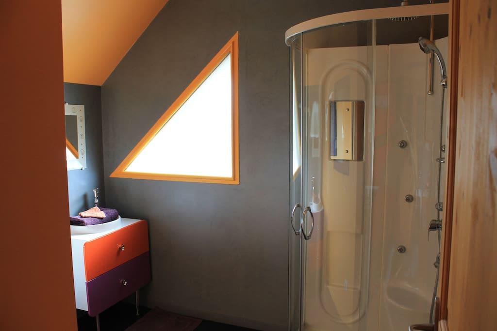 Salle de bain étage douche et double vasque