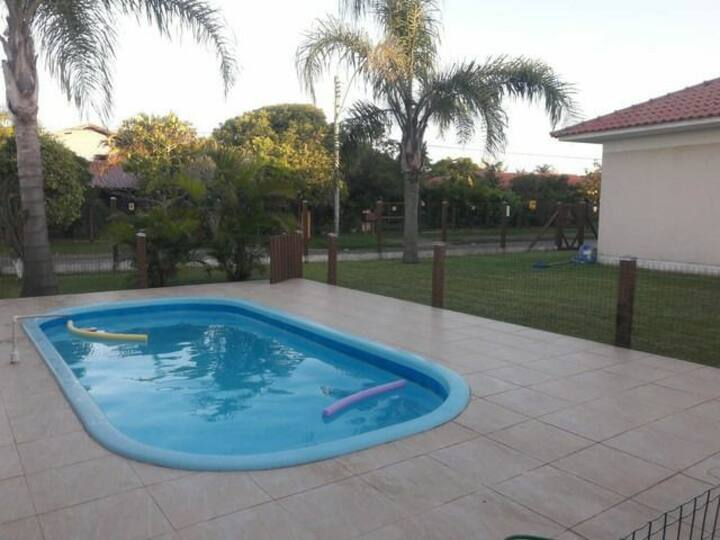 Casa linda c/ piscina
