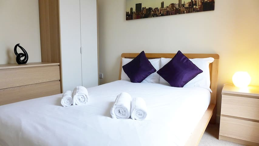 Three Bed City Centre Hotel style Served Apartment