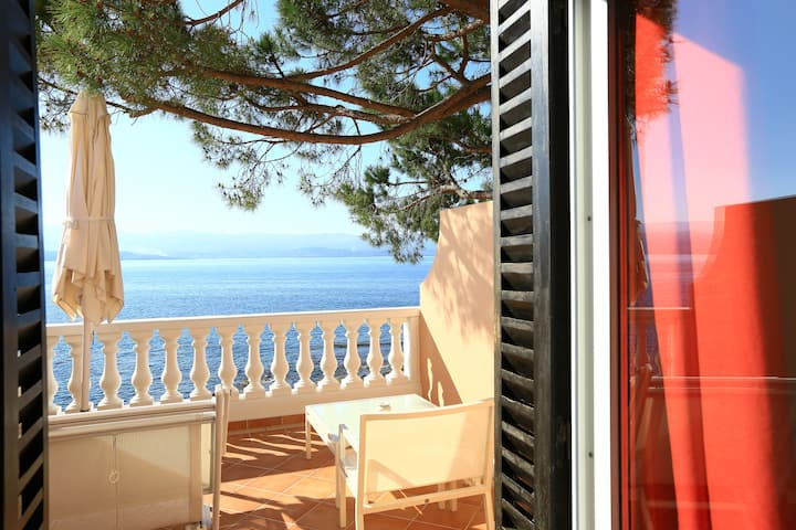 Hotel**** Les Mouettes, Beautiful Sea View Room