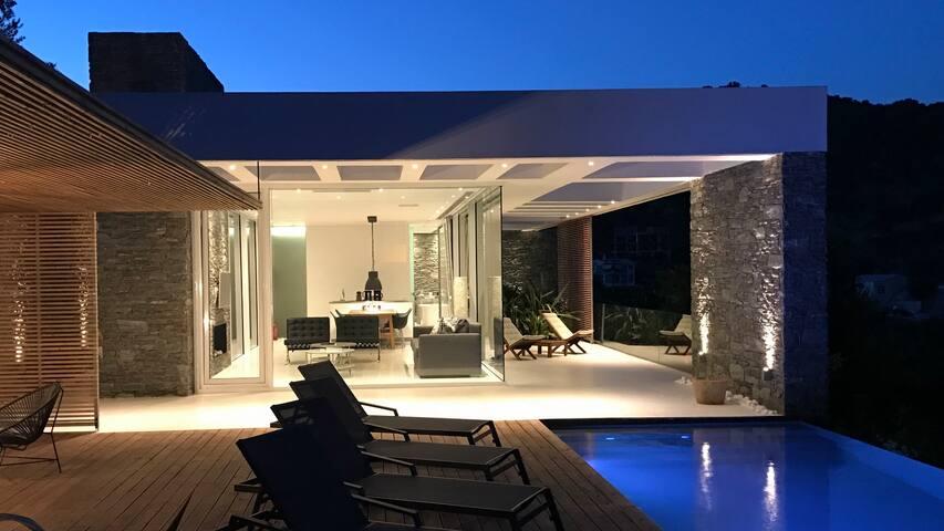A-luxury villas
