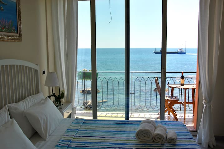 Wonderful double room taorminaxos - Giardini Naxos - Leilighet