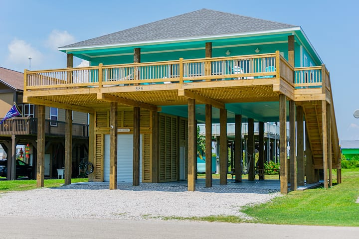 BRAND NEW HOME,  WALKING DISTANCE TO THE  BEACH