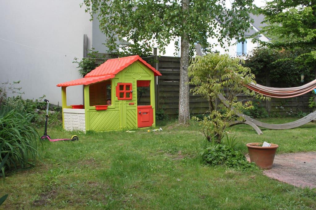 maison 4 chambres avec jardin maisons louer saint pierre des corps centre france. Black Bedroom Furniture Sets. Home Design Ideas