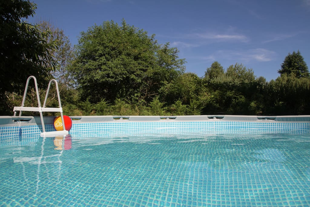 Wonderfully Spacious Holiday Home With Above Ground Swimming Pool Houses For Rent In Auriac