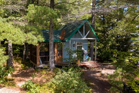 Bigwind Lake Pine Cabin Ecotourism
