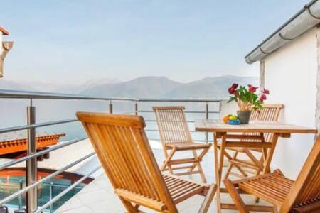 One apartment for Beach house - Bjelila - Huoneisto