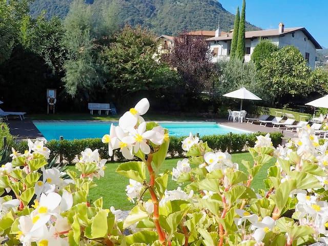 PLATANUS  Lago di Como  3 camere 2 bagni