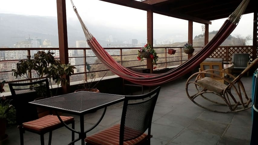 awesome new flat with huge terrace - Tbilisi - Departamento