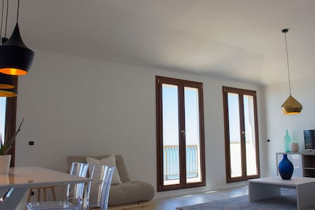 Beautiful Penthouse on the Beach Near Rome
