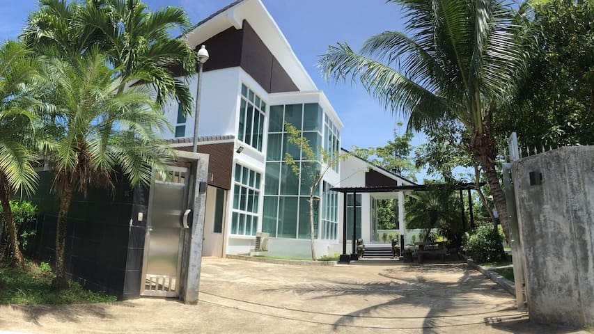 Homaehaekuru: Modern Style/ Private Home/Big Space