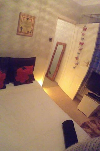 No.26 - Cozy bedroom with charm! - Ossett - 獨棟