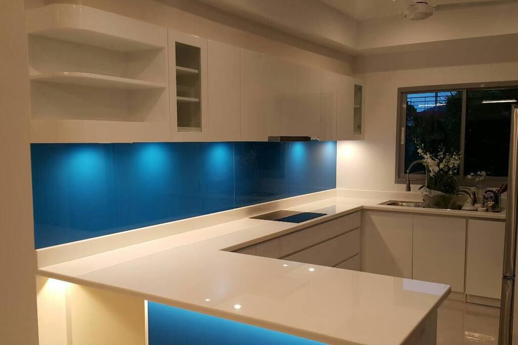We have a wonderful modern new kitchen