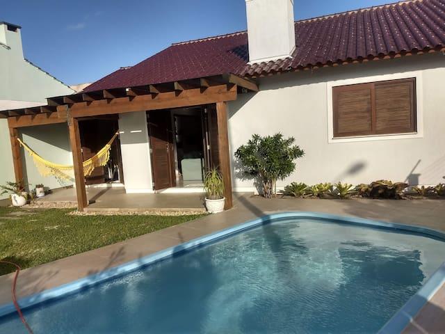 Linda casa de praia em Mariápolis esperando você!!