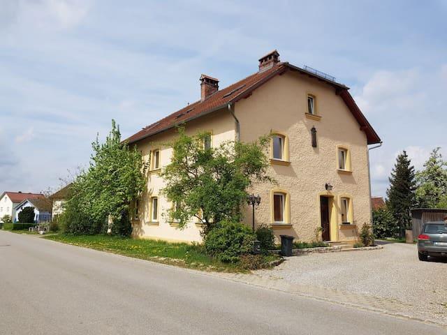 Geräumige Wohnung mit gehobener Ausstattung