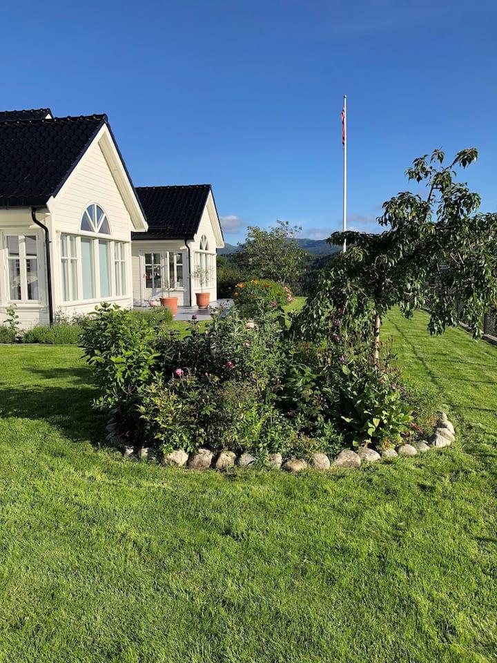 Stor villa med luksusfaktor rett utenfor Bergen!