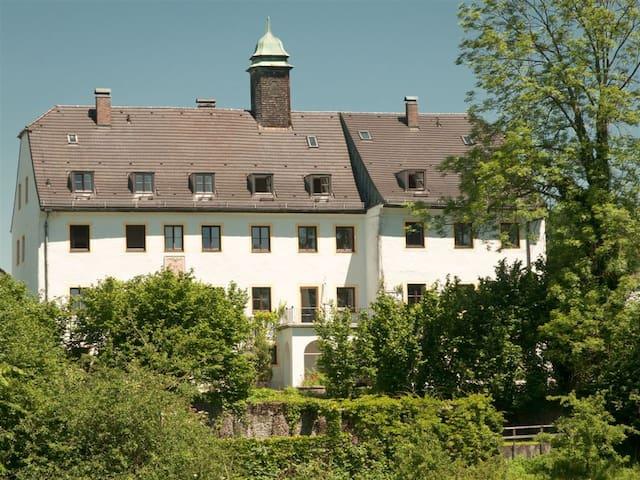 3 Zi mit 2 Bäder im Schloss Oberbrunn/ Chiemgau