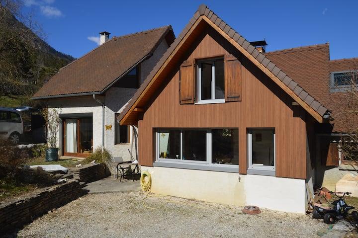 Maison dans les Alpes: Calme et montagnes