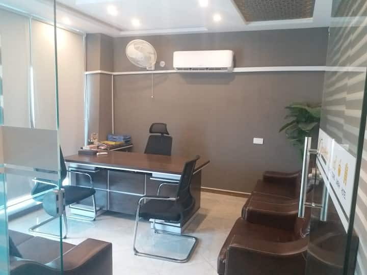Shared Office Space in DHA Phase 1 for Daily Basis