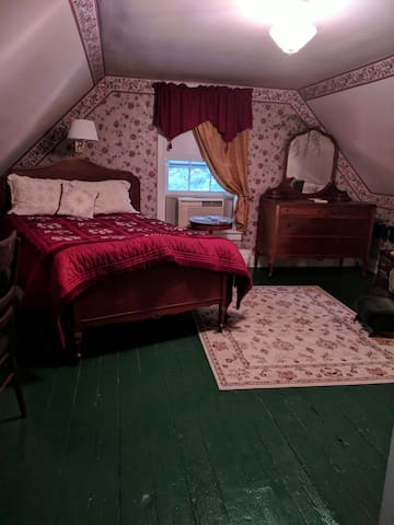 Huddlestone's Hideaway B&B The Lincoln Room