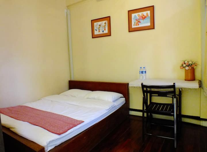 Baan Klang Vieng (Double Bed-Shared Bathroom)