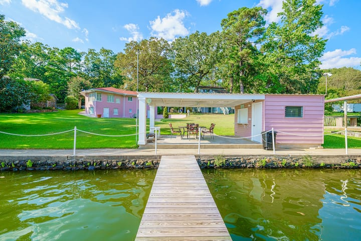 Lake Hamilton - Large Secluded 4BR 3.5B Lakehouse