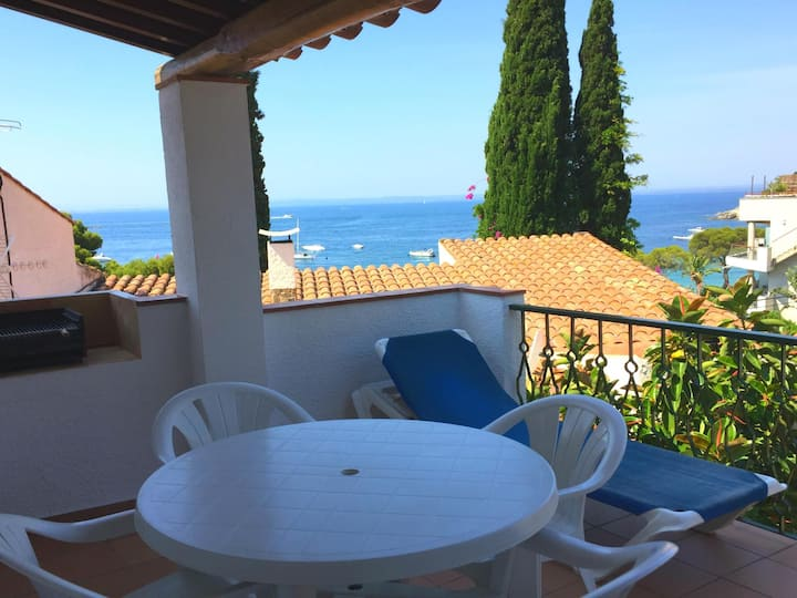 Two-Bedroom Duplex Sea View located 50m from the beach.
