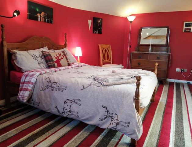 Master double bedroom.