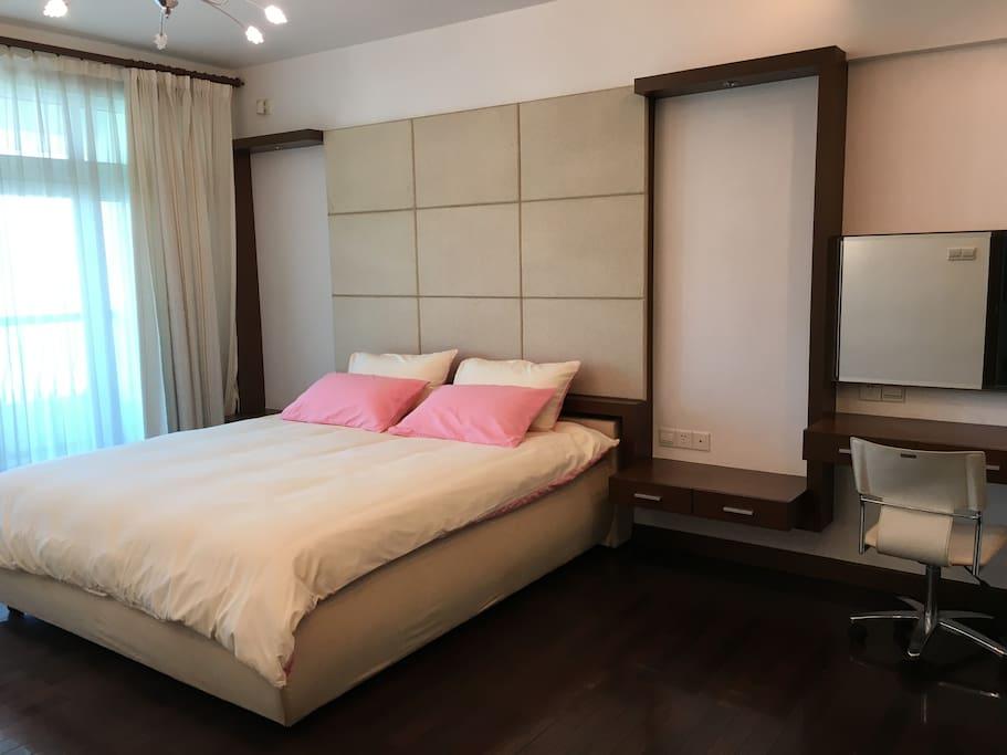 1.8米大床带独立卫生间